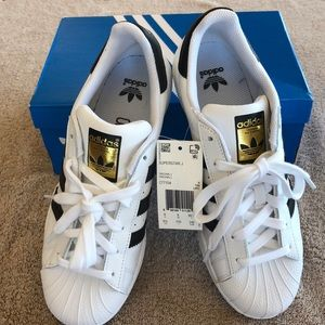 Adidas Ladies Sneakers !!